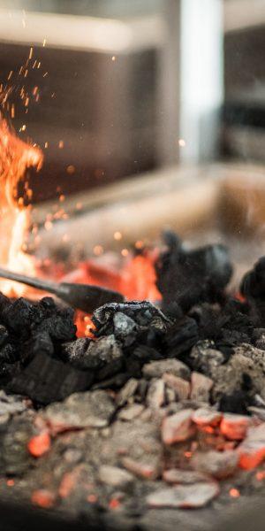 Cuisson au charbon - Restaurant Vivres Rochefort